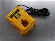 DeWALT 7.2V 9.6V 12V 14.4V 18V 18 Volt NiCd & Lithium Ion Battery Charger DC9310